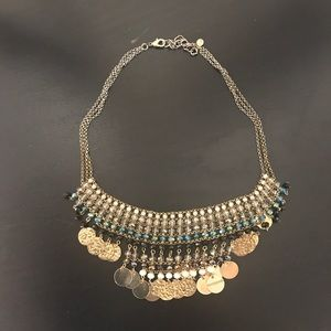 Jewelry - Gold chains Accent necklace